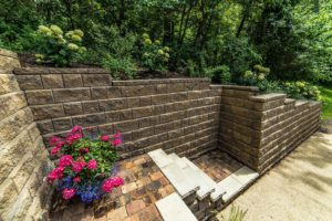 Retaining will with brick pavers