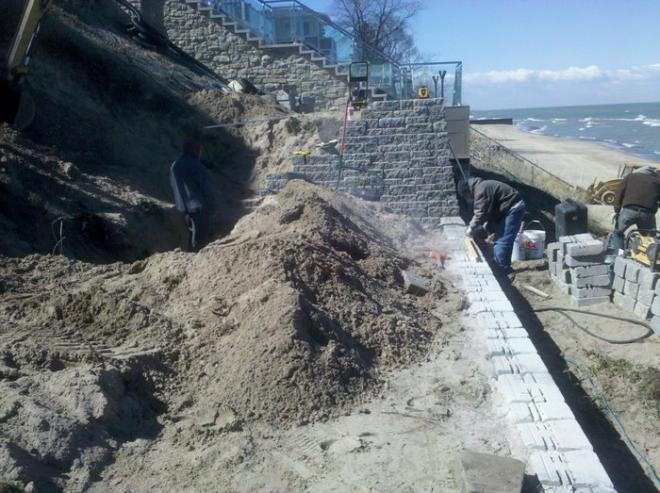 beach landscape ideas with retaining wall