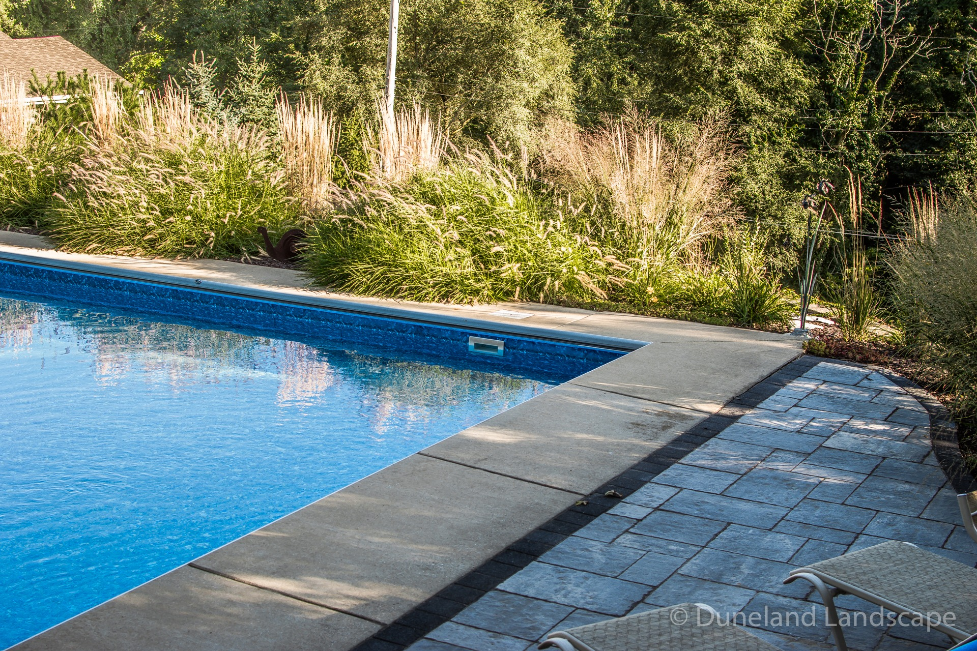 paving installation for pool surround