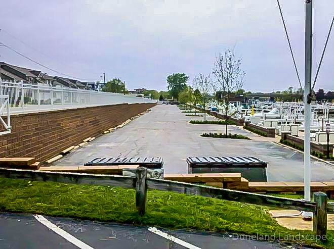 parking lot hardscaping with retaining wall