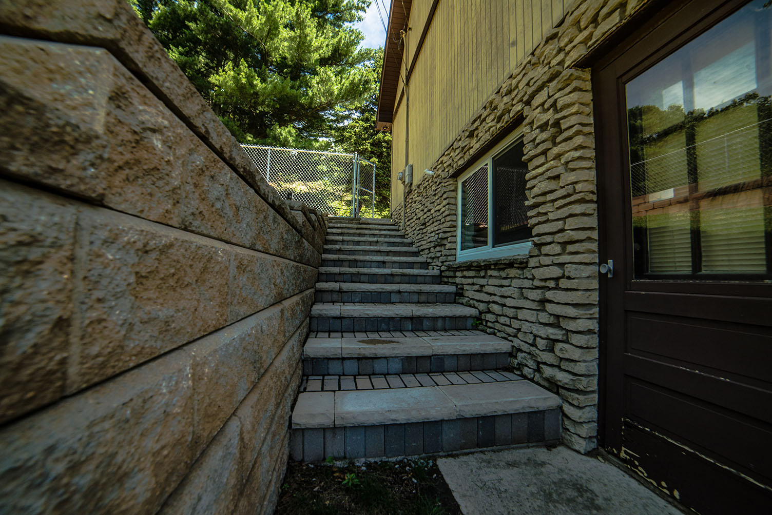 Paver stone repair for outdoor steps